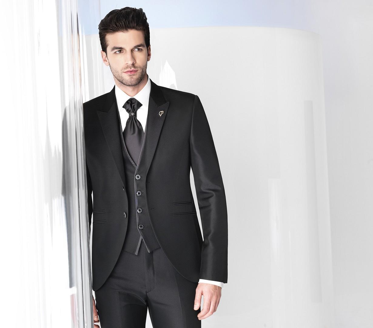 ad8716ccd5a676 Bruno Peruselli abiti unici e originali abiti sposo delle collezioni ...